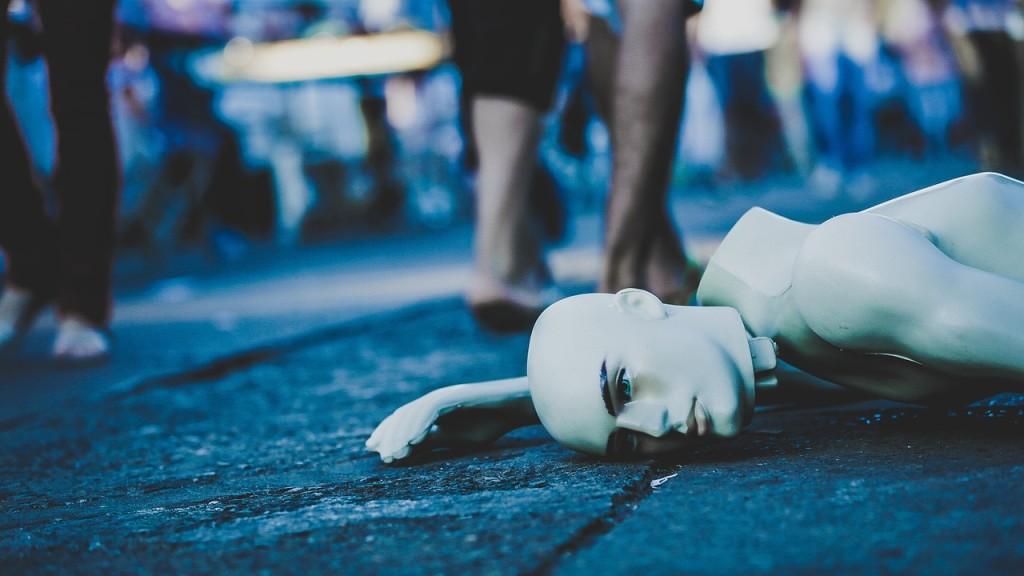 mannequin-1208188_1280