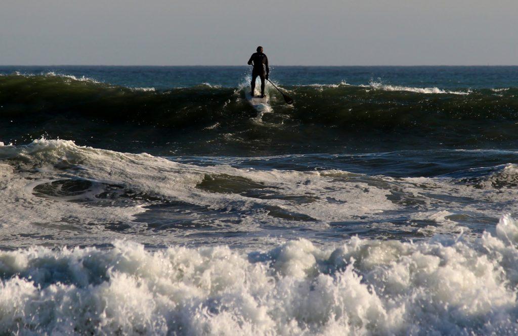 surfer-816997_1280